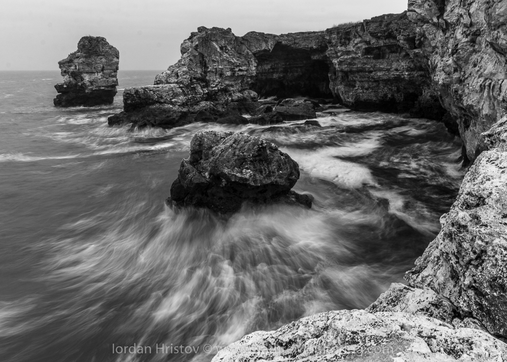 Seascape photography b&w