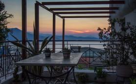 Sunset in Trikeri, Greece © Iordan Hristov